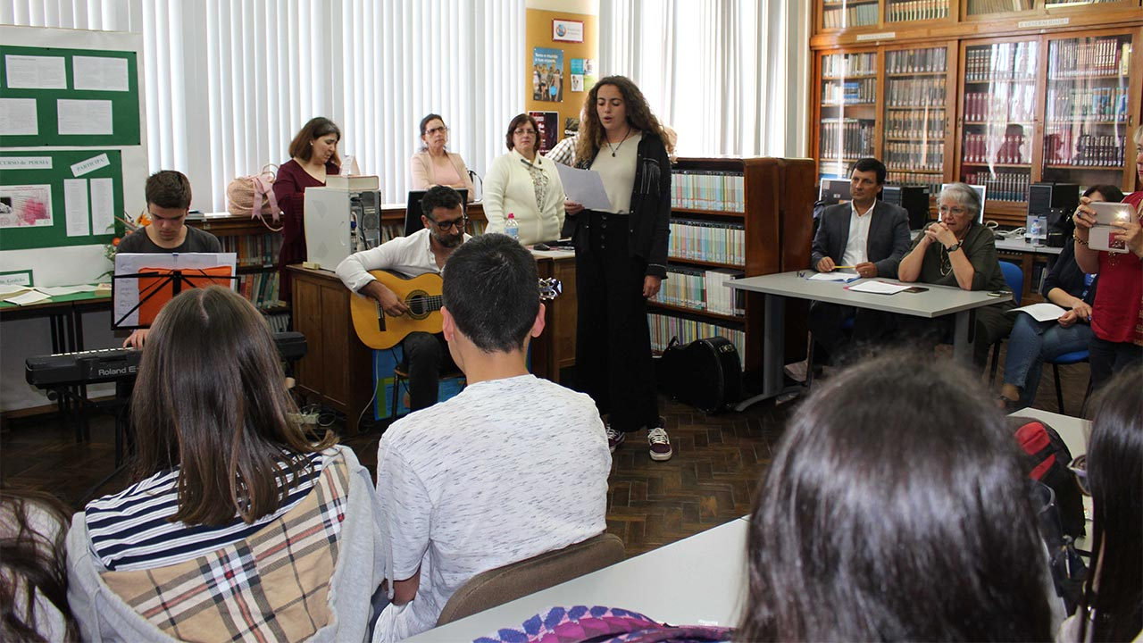 Poetry declamation during the event with live music.