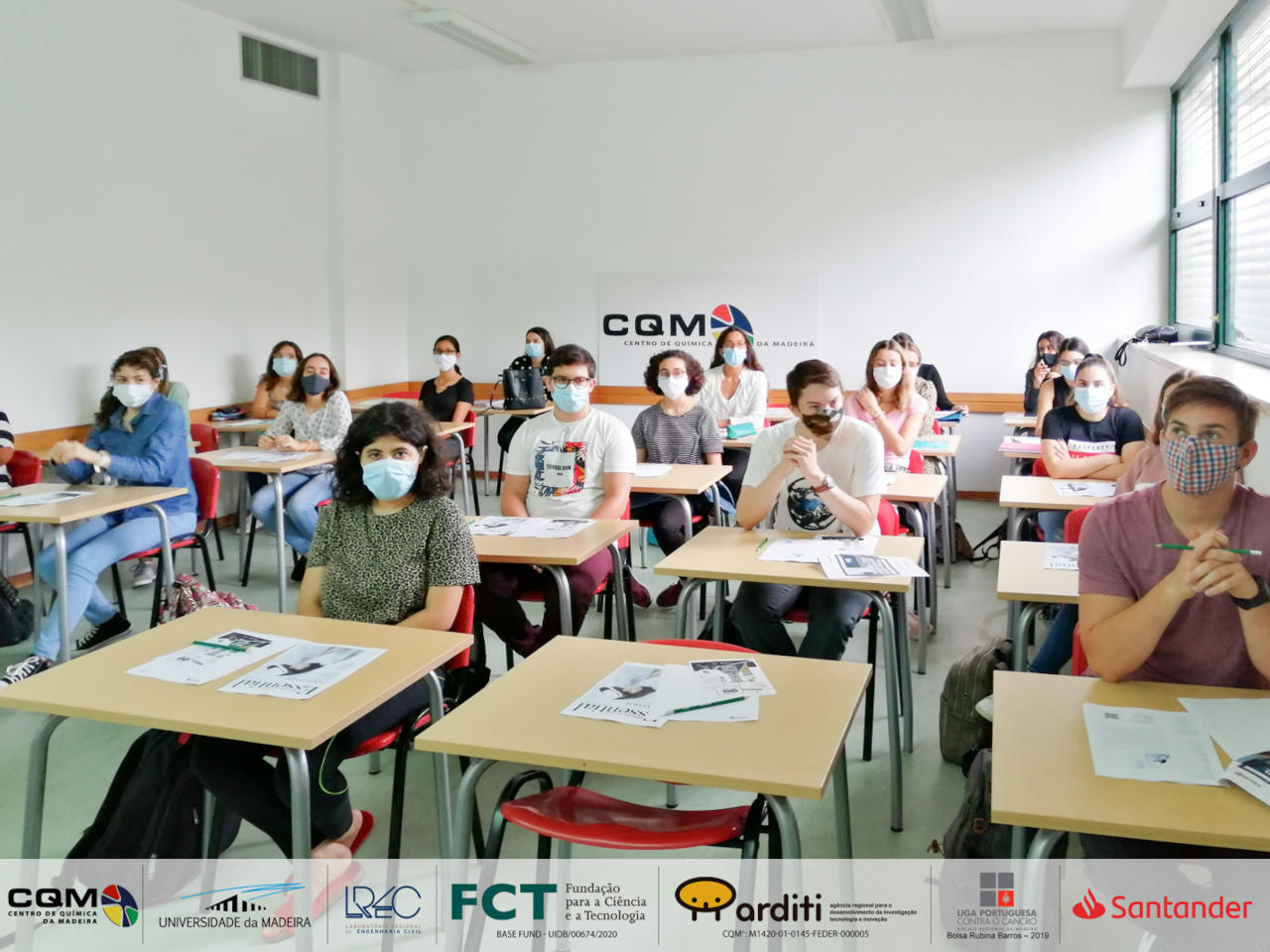 Madeira Chemistry Research Centre (CQM *) welcomes the students of 1st cycle in Biochemistry