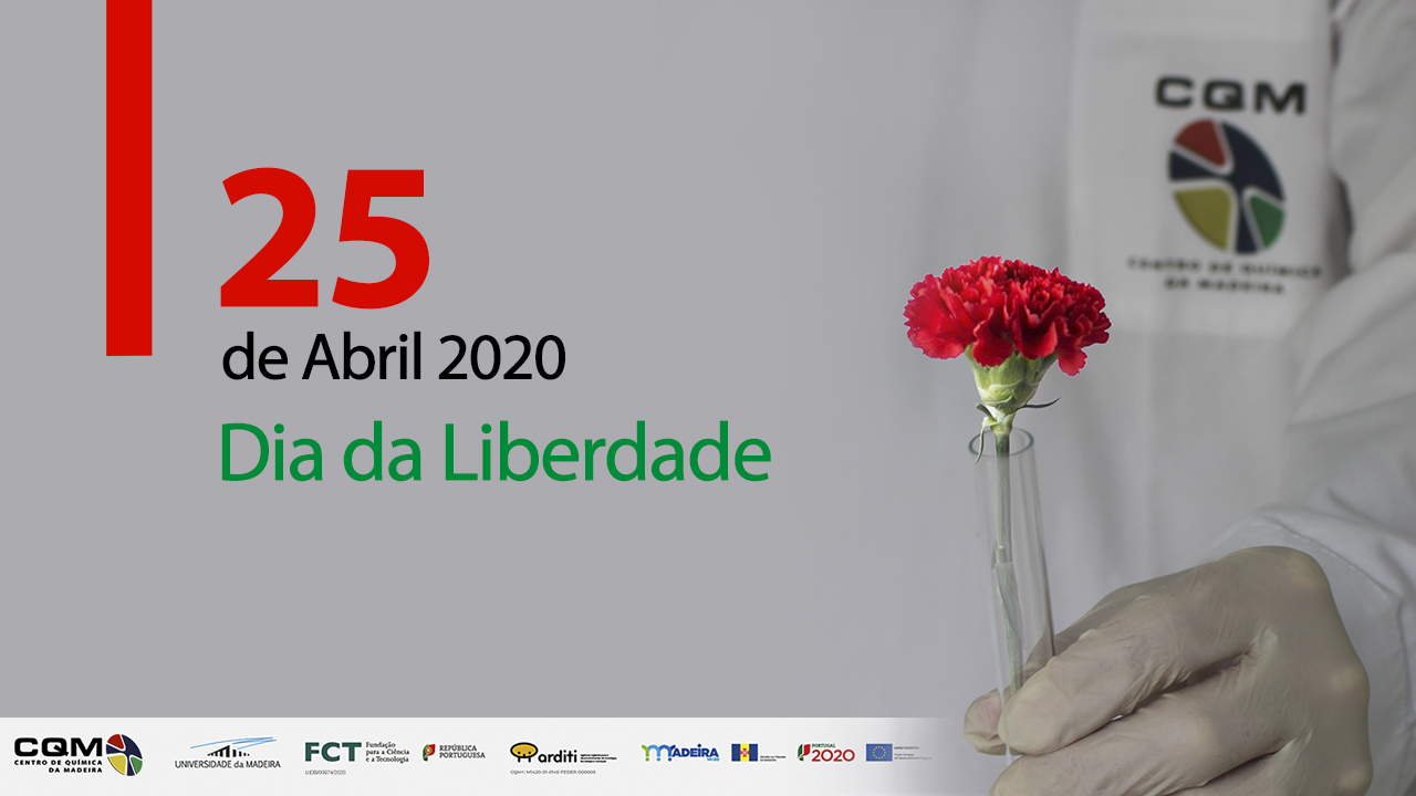 CQM reseacher holding a red carnation, symbol of Portugal's 25th of April revolution