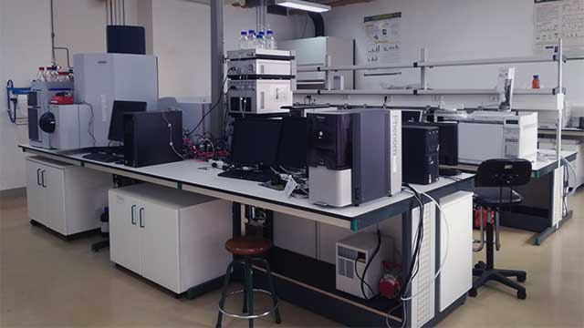 Chromatography and Mass Spectrometry Lab